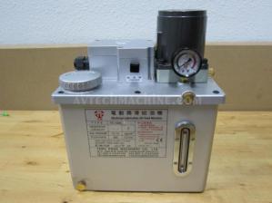 TK-1006E-C1V2 Tswu Kwan Lubrication Pump Pressure 12-15KG Tank 4.6L AC220