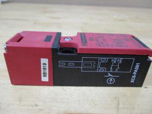 XCS-PA591 Telemecanique Schneider Door Interlock Switch
